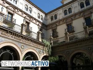 Patio del Hotel Alfonso XIII en Sevilla